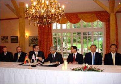 Signing of a joint venture agreement and thus associated founding of Sun Alloys Europe.